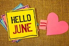 Схематическое сочинительство руки показывая здравствуйте! июнь Текст фото дела начиная новое сообщение май месяца над cre startin стоковые изображения rf