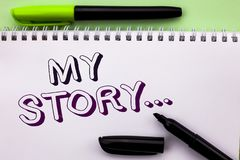 Схематическое сочинительство руки показывая мой рассказ Wr портфолио профиля личной истории достижения жизнеописания фото дела sh стоковое изображение