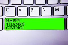 Схематическое сочинительство руки показывая счастливые спасибо давая мотивационный звонок Праздники s фразы поздравлениям фото де Стоковое фото RF