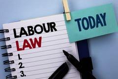 Схематическое сочинительство руки показывая трудовое право Занятость текста фото дела управляет writt соединения законодательства стоковая фотография rf