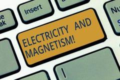 Схематическое сочинительство руки показывая электричество и магнетизм Showcasing фото дела овеществляет одиночную электромагнитну стоковая фотография rf