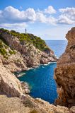 Сценарная бухта с маяком Capdepera, Мальорка стоковое изображение