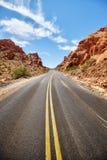 Сценарная дезертированная дорога, концепция перемещения Стоковое Изображение