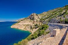 Сценарная прибрежная дорога под горой Velebit Стоковая Фотография