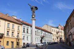 Сценарная родовая архитектура в Uzupio, старом городке Вильнюса, Литвы Стоковое Изображение
