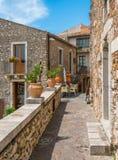 Сценарное визирование в Castelmola, старой средневековой деревне расположенное над Taormina, на верхней части Mola горы Италия Си стоковое фото rf