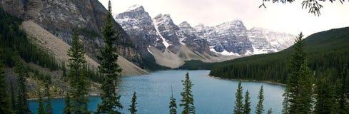 Сценарные ландшафты в национальном парке Banff, Альберте, Канаде Стоковая Фотография