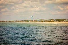 Сценарные взгляды на пляже Северной Каролине острова дуба стоковая фотография rf
