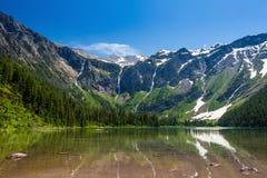Сценарные горные виды, озеро лавин, национальный парк понедельник ледника Стоковое Изображение