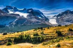 Сценарные горные виды стоковые фото