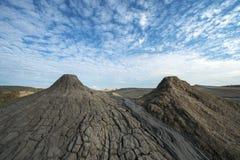 Сценарный ландшафт активного вулкана грязи в Buzau, Румынии Стоковое фото RF