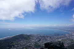 Сценарный ландшафт Кейптауна от горы таблицы Стоковые Изображения RF