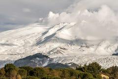 Сценарный взгляд вулкана Этна от Nicolosi, Катании, Сицилии, Италии стоковые изображения rf