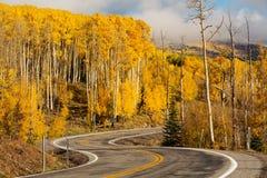 Сценарный взгляд к гористым местностям на byway 12 в Юте, США Стоковое Изображение RF