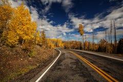 Сценарный взгляд к гористым местностям на byway 12 в Юте, США Стоковое фото RF