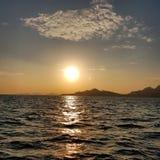Сценарный взгляд моря против солнечного света Стоковое Фото