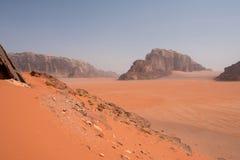 Сценарный взгляд пустыни рома вадей, Джордана Стоковые Фотографии RF