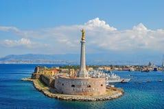 Сценарный взгляд итальянского порта Мессины Стоковые Изображения RF