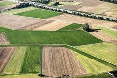Сценарный взгляд к полям в сельском районе главным образом-Taunus Kreis Стоковое фото RF