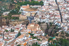 Сценарный взгляд моста, каньона и арены, Ronda, Малаги, Андалусии, Испании Стоковое Изображение