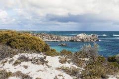 Сценарный взгляд над одним из пляжей острова Rottnest, Australi Стоковое Изображение RF