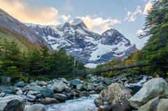 Сценарный взгляд на треке Torres del Paine Стоковые Изображения RF