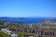Сценарный взгляд острова Santorini Стоковые Изображения RF