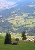 Сценарный взгляд Insbruck в австрийских Альпах Стоковое Изображение