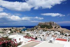 Сценарный взгляд Lindos, острова Родоса (Греция) Стоковая Фотография RF