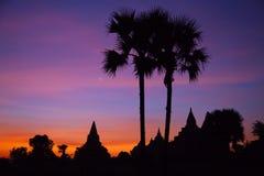 Сценарный восход солнца над Bagan в Мьянме Стоковые Изображения RF