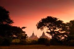 Сценарный восход солнца над Bagan в Мьянме Стоковое фото RF