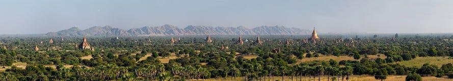 Сценарный восход солнца над Bagan в Мьянме Стоковое Изображение