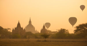 Сценарный восход солнца на Bagan Стоковое Изображение RF