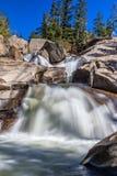 Сценарный водопад горы Стоковые Изображения