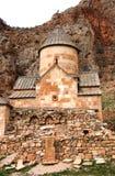Сценарный монастырь Novarank в Армении Скит Noravank был основан в 1205 Оно расположено 122 km от Еревана в узком ущелье стоковые фото