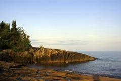 Сценарный прибрежный взгляд Lake Superior стоковое фото