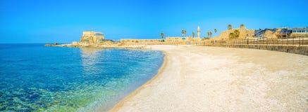 Сценарный пляж Caesarea стоковые изображения