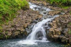 Сценарный тропический водопад около Ганы Мауи Стоковая Фотография RF