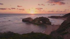 Сцена захода солнца пляжа Австралии, полуостров Mornington видеоматериал