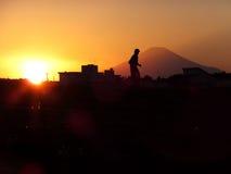 Сцена захода солнца городка с Mt fuji Стоковая Фотография RF