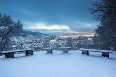 Сцена зимы с Судами Snowy в шторме стоковая фотография rf
