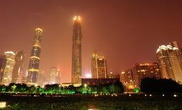 Сцена ночи в городе Гуанчжоу стоковые фотографии rf