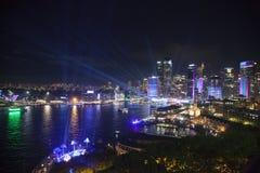 Сцена ночи в ярком Сиднее Стоковые Изображения