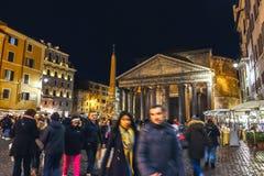 Сцена ночи на пантеоне, здании предназначенном ко всем богам старого Рима Стоковые Изображения RF