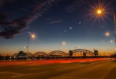 Сцена ночи панорамная в Риге Стоковые Фото