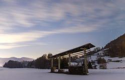 Сцена ночи снежная в долине Tuhinj, Словении Стоковые Изображения