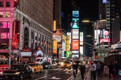 Сцена ночи Таймс-сквер в Манхэттене стоковая фотография rf