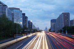 Сцена ночи улицы финансов Пекина стоковое фото rf