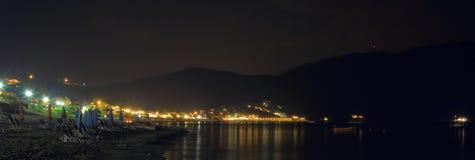 Сцена ночи pagon georgios ажио городка на острове Корфу Стоковые Фотографии RF
