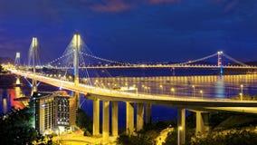 Сцена ночи Taffic висячего моста Kau Ting стоковые фотографии rf